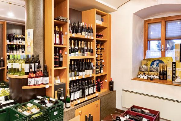 Sailers Vinothek - Wein aus Österreich - Weinregal